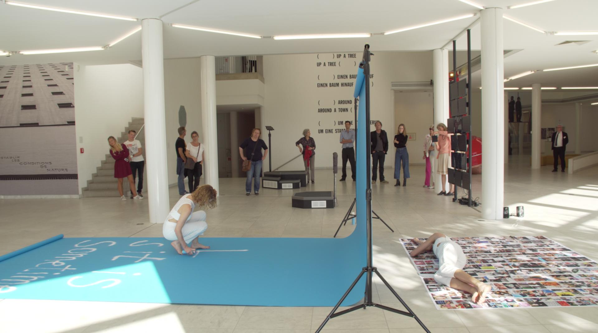 Luki von der Gracht Museum Abteiberg – 2500 Performance