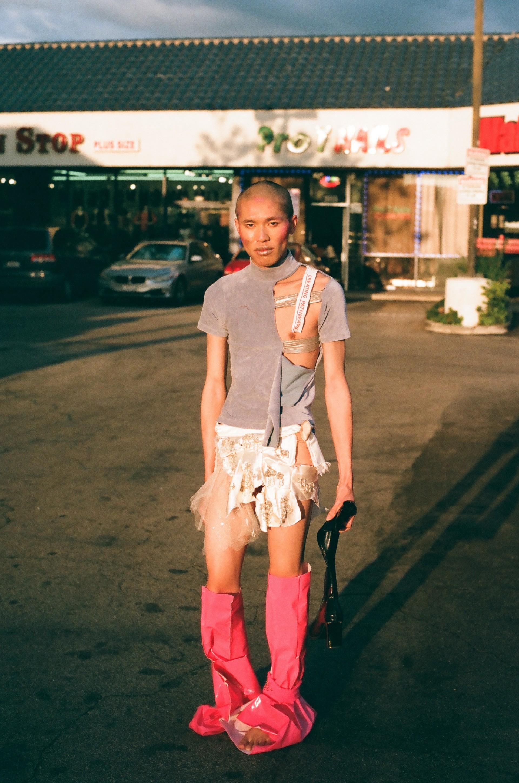 Luki von der Gracht Shell She'll Crack